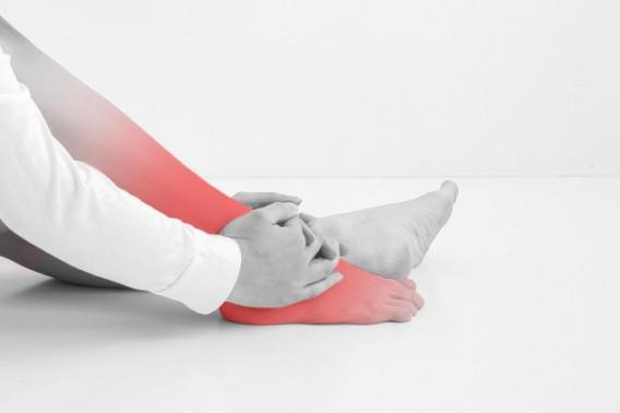 足の痛み(足の甲の痛み)