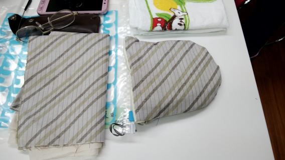 リバーシブルの丸い巾着袋